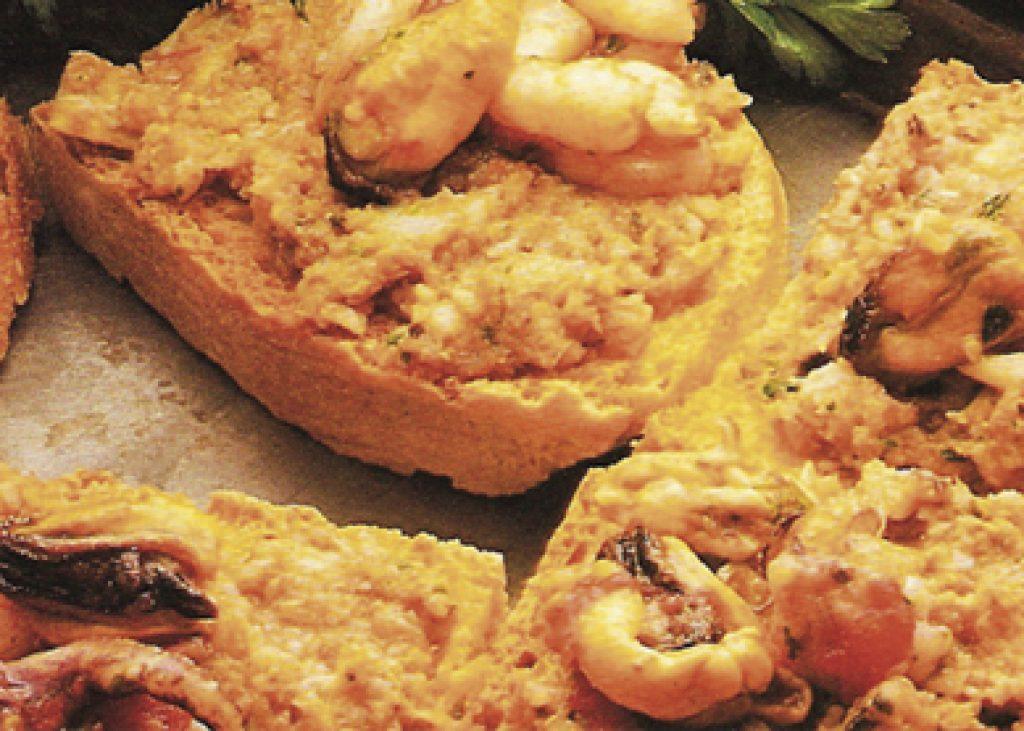 Crostini-al-misto-di-pesce