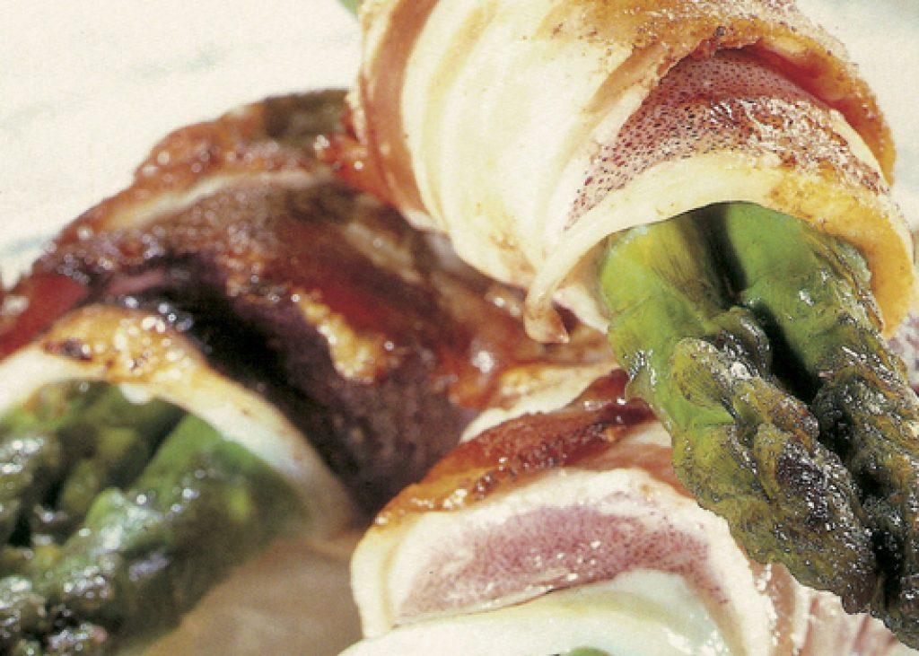 Involtini-di-calamari-con-asparagi-al-bacon
